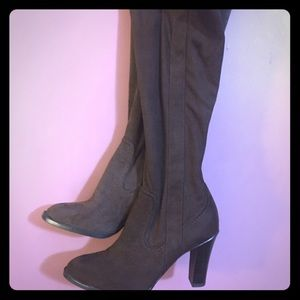 Isaac Mizrahi stretch boots